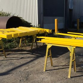 New structure yellow epoxy paint